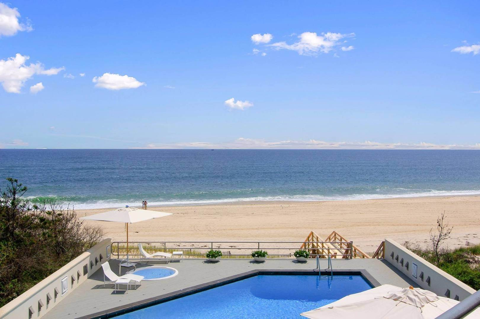 Single Family Home at Quogue Spectacular Oceanfront Bay Views Quogue Village, NY 11959