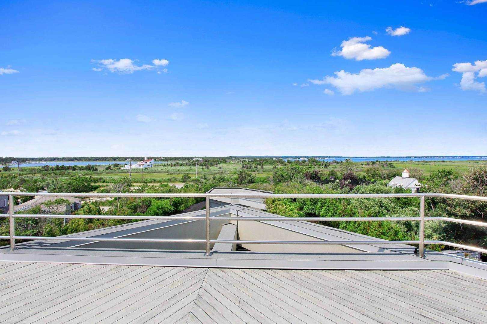 3. Single Family Home at Quogue Spectacular Oceanfront Bay Views Quogue Village, NY 11959