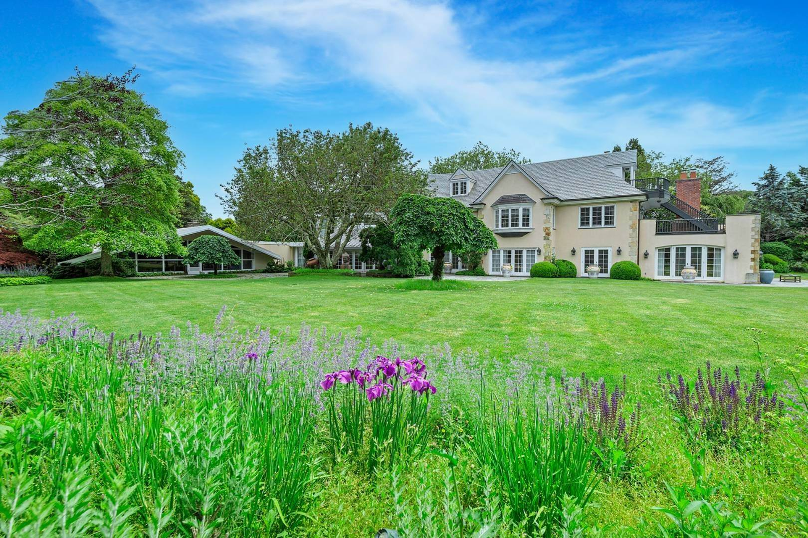Single Family Home for Sale at Opportunity Knocks In East Hampton/Amagansett 386 Further Lane, Amagansett, NY 11930