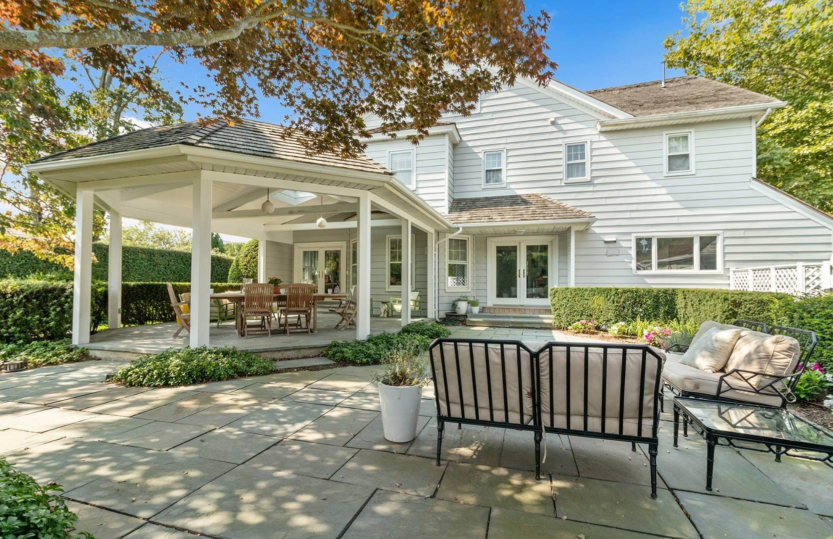 Single Family Home at Beautifully Renovated In The Village Southampton, NY 11968