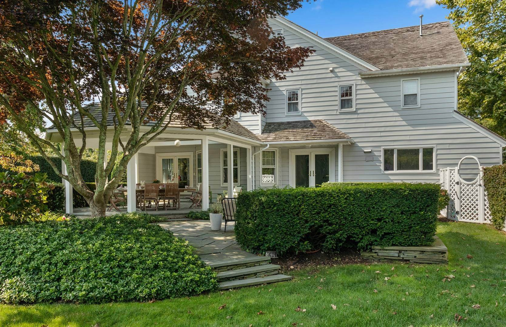 5. Single Family Home at Beautifully Renovated In The Village Southampton, NY 11968