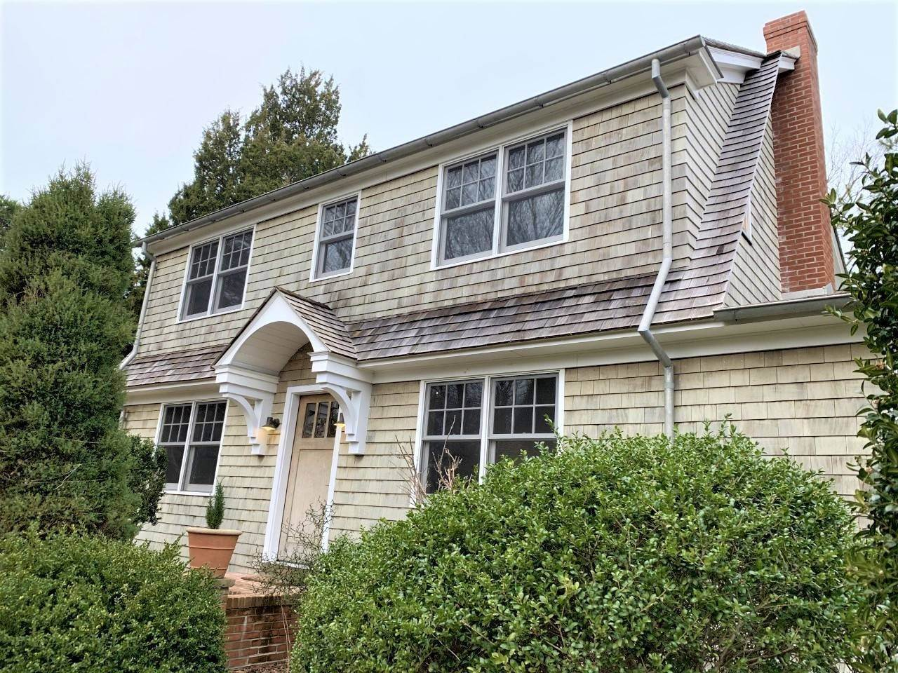 Single Family Home at Fun Carefree Village Renovated Modern Interior And Heated Pool Sag Harbor, NY 11963