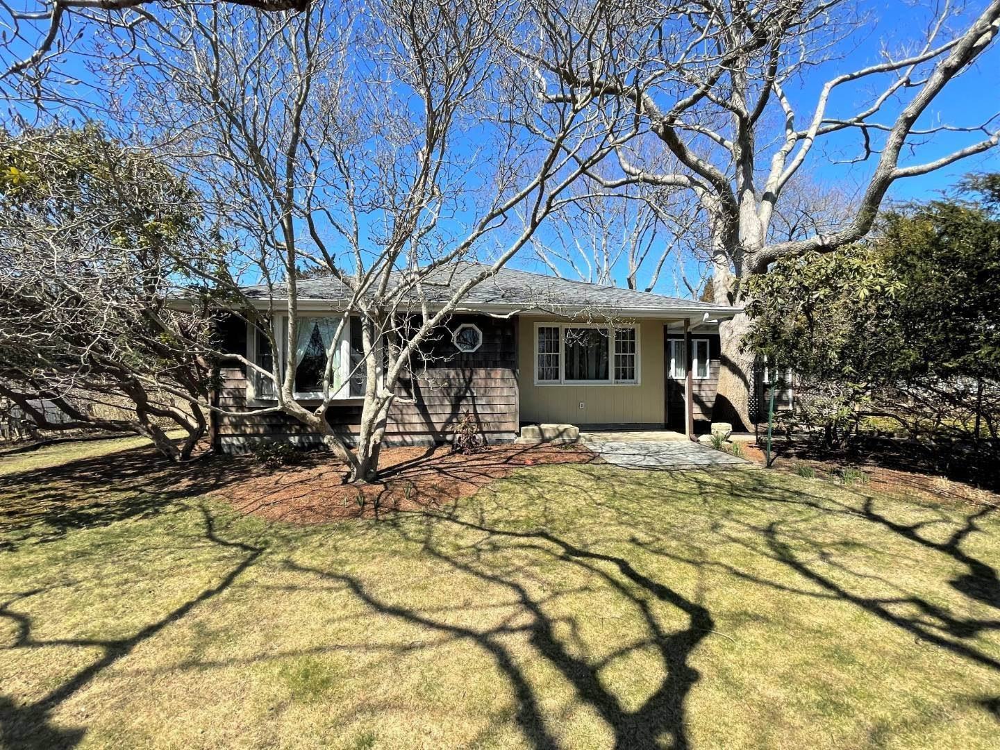 2. Single Family Home for Sale at Bluff Road, Amagansett 88 Bluff Road, Amagansett, NY 11930