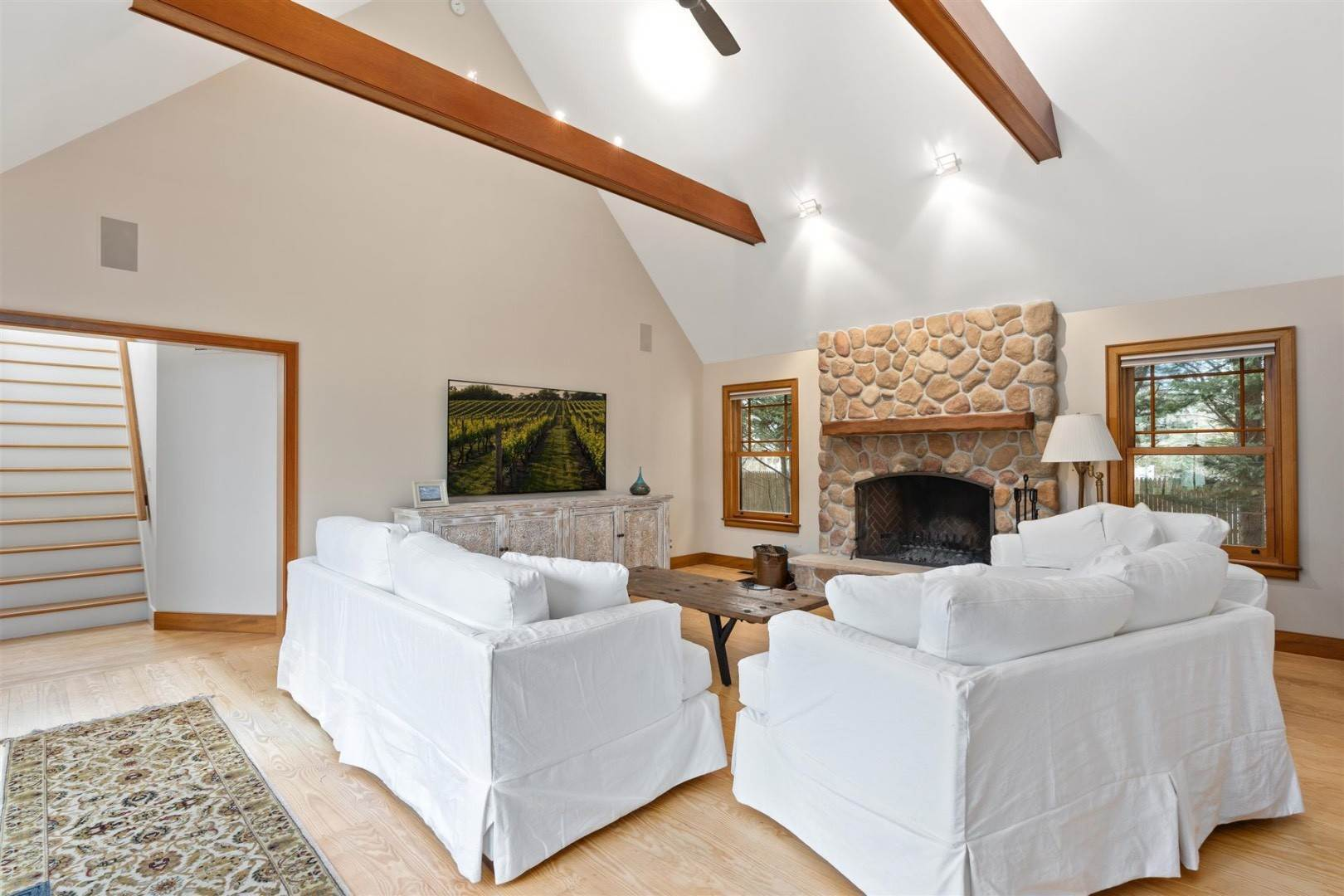2. Single Family Home at Perfect Summer Rental In Springs 11 Front Street, East Hampton, NY 11937