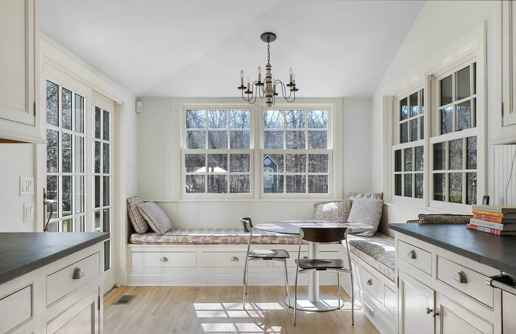 8. Single Family Home at Amagansett Summer Rental On 3.7 Secluded Acres 562 Accabonac Road, Amagansett, NY 11937