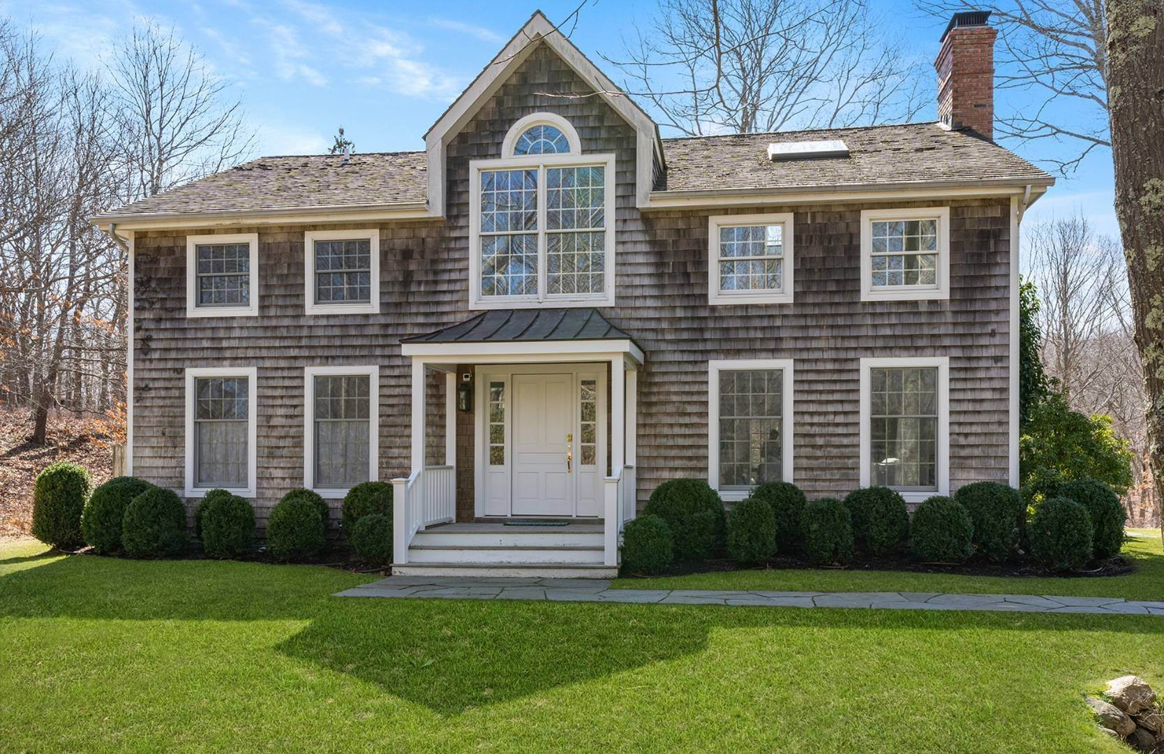 Single Family Home at Amagansett Summer Rental On 3.7 Secluded Acres 562 Accabonac Road, Amagansett, NY 11937