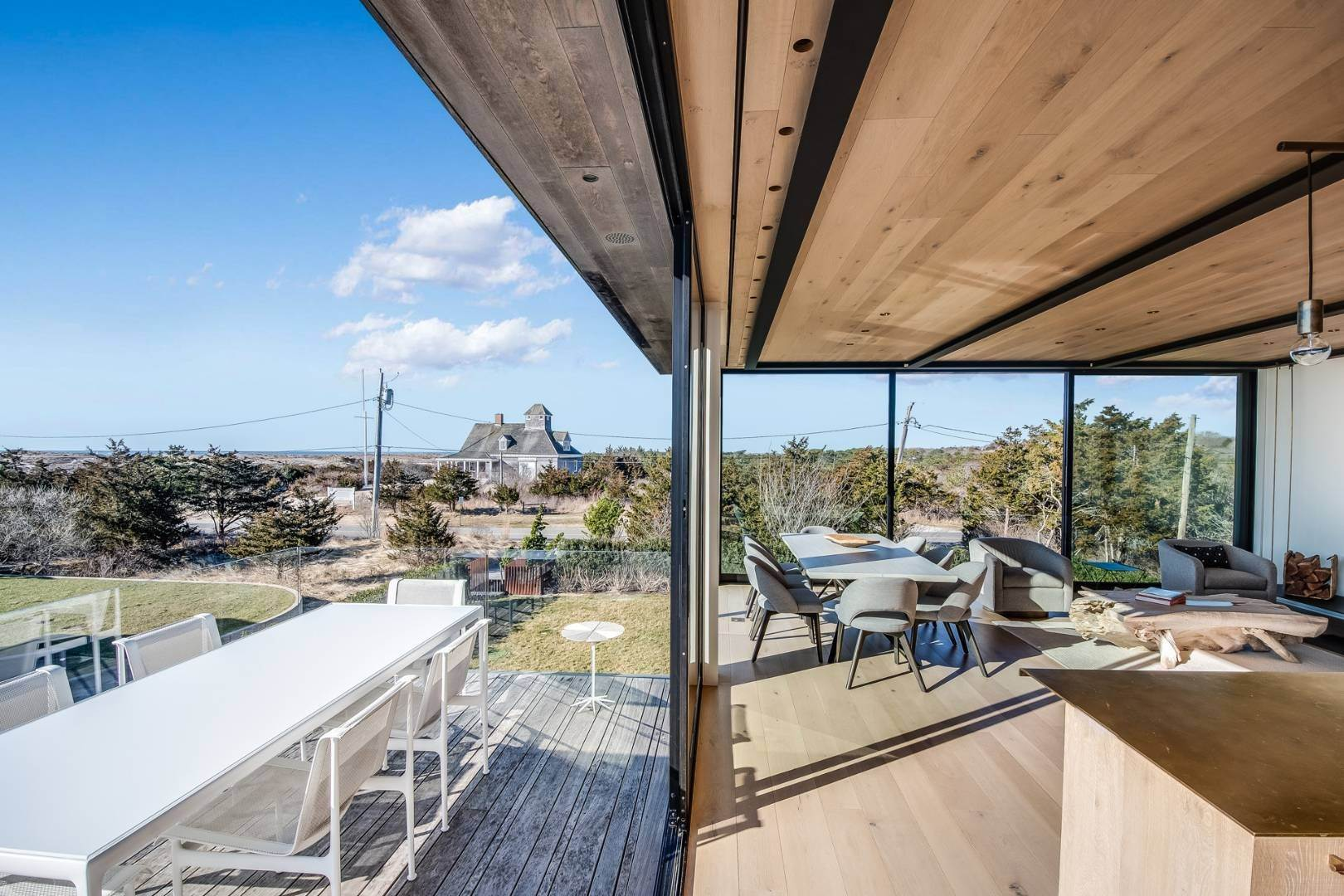 8. Single Family Home for Sale at Near Ocean Bates Masi Modern, Amagansett 159 Atlantic Avenue, Amagansett, NY 11930