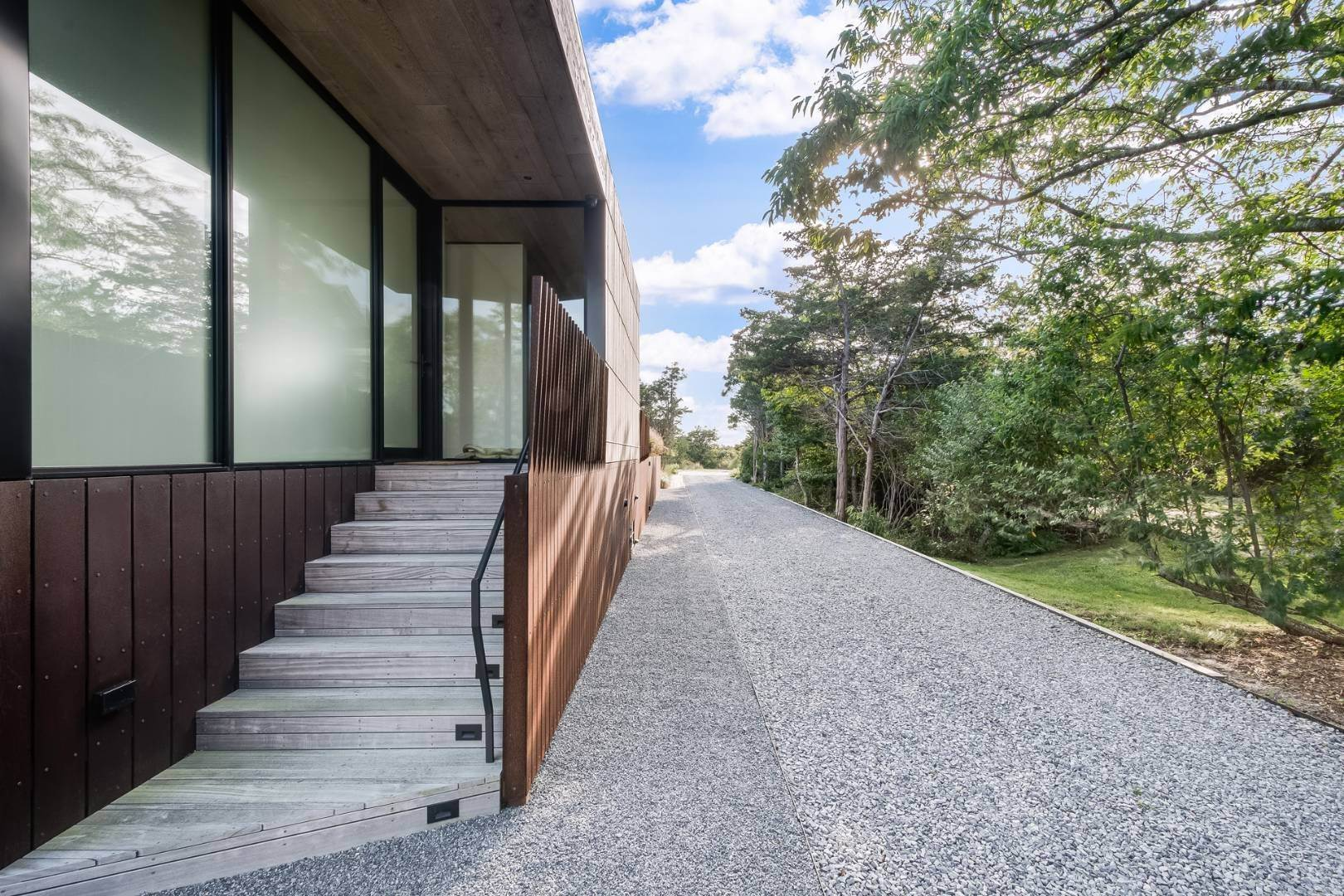 22. Single Family Home for Sale at Near Ocean Bates Masi Modern, Amagansett 159 Atlantic Avenue, Amagansett, NY 11930
