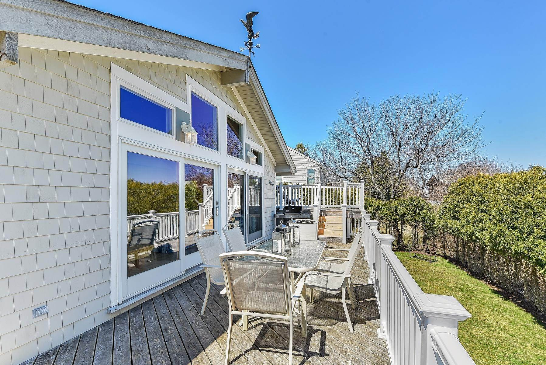 11. Single Family Home at Montauk's Culloden Shores Beach Home Montauk, NY 11954