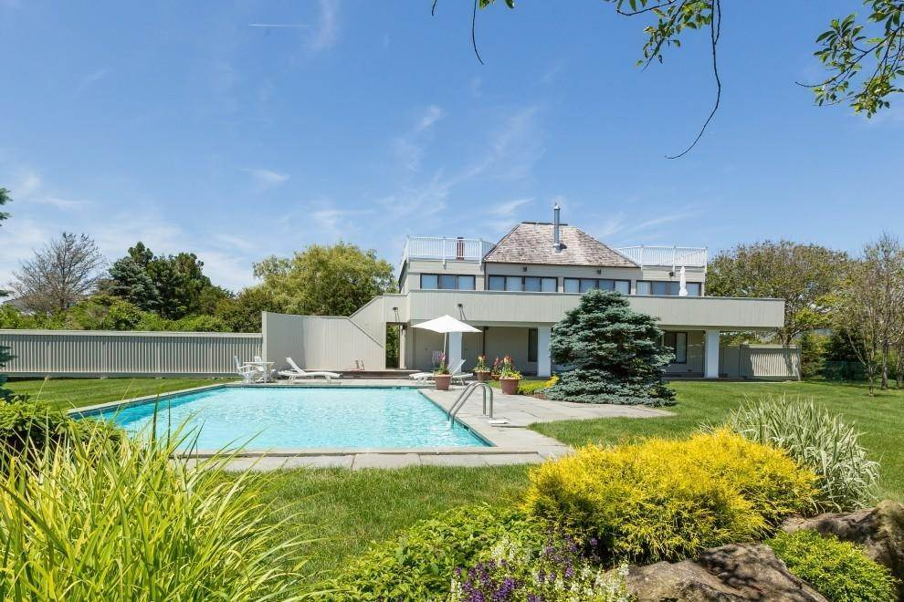 Single Family Home at Bridgehampton Ocean Views Bridgehampton, NY 11932