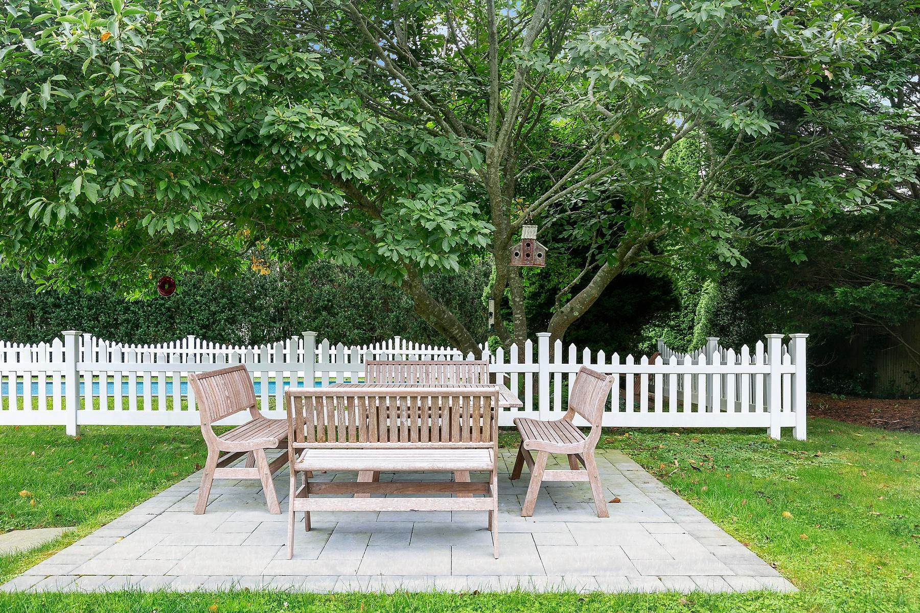 5. Single Family Home at July Or August You Pick Southampton, NY 11968