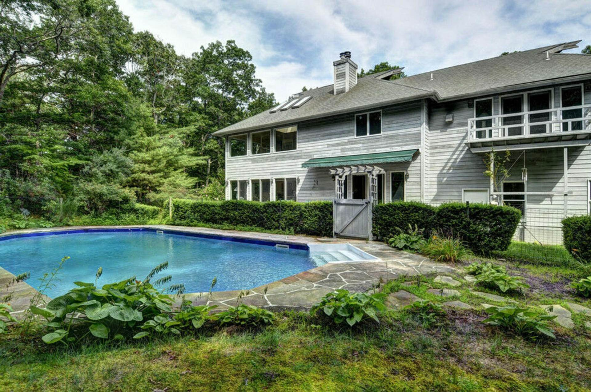15. Single Family Home at Post Modern Home In East Hampton With Pool East Hampton, NY 11937
