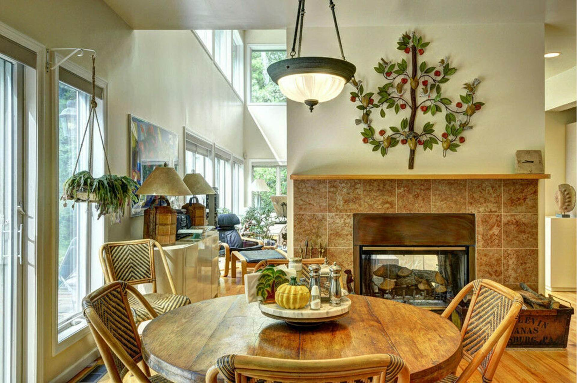 6. Single Family Home at Post Modern Home In East Hampton With Pool East Hampton, NY 11937