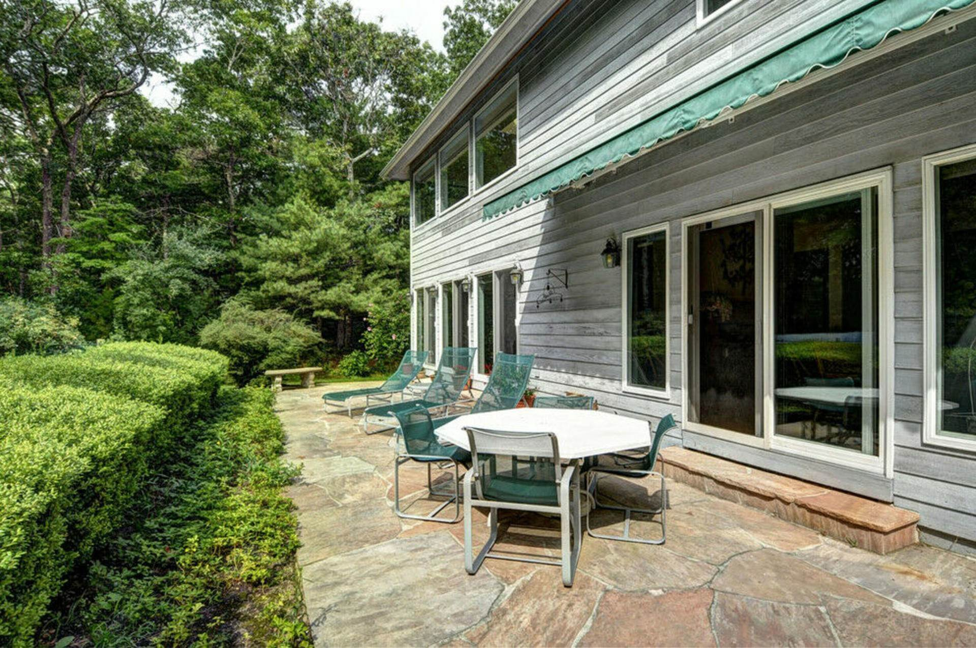13. Single Family Home at Post Modern Home In East Hampton With Pool East Hampton, NY 11937