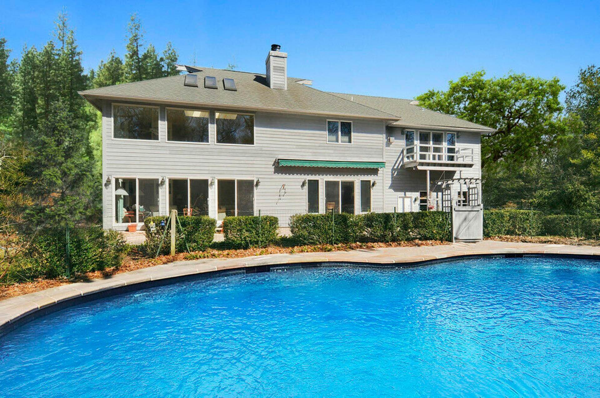 16. Single Family Home at Post Modern Home In East Hampton With Pool East Hampton, NY 11937