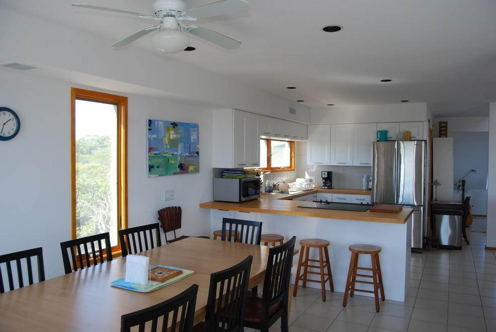 7. Single Family Home at Montauk Rental With Deeded Foot Path To Beach Montauk, NY 11954