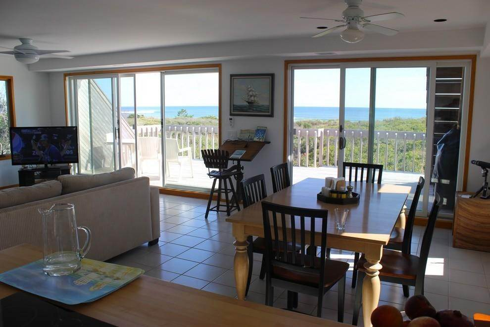 5. Single Family Home at Montauk Rental With Deeded Foot Path To Beach Montauk, NY 11954