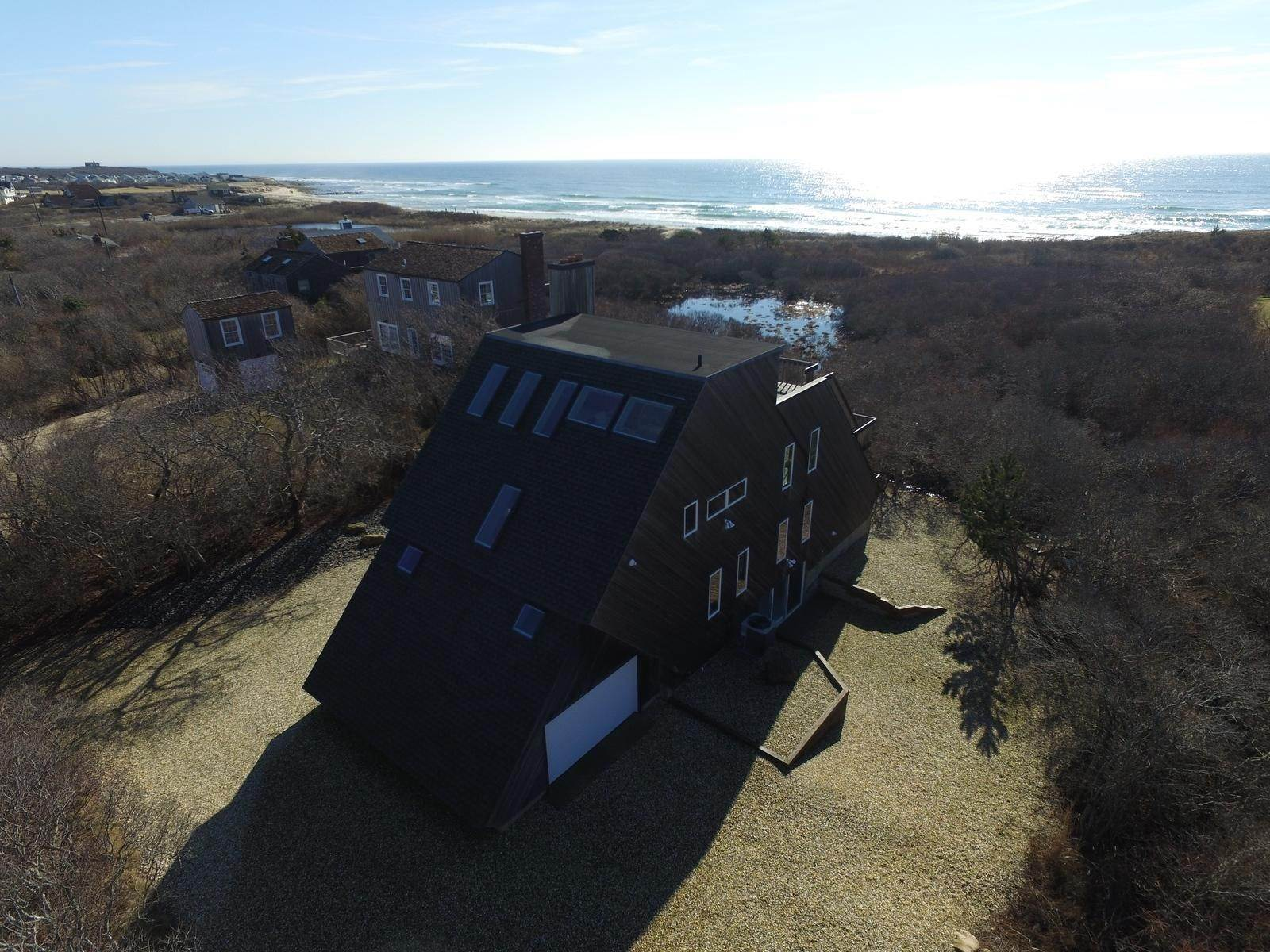 2. Single Family Home at Montauk Rental With Deeded Foot Path To Beach Montauk, NY 11954