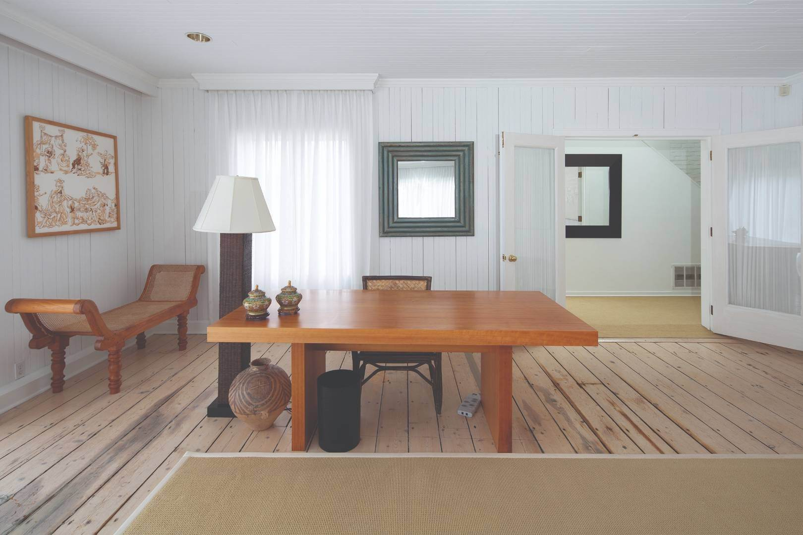 7. Single Family Home at Gin Lane Beach Classic Southampton, NY 11968