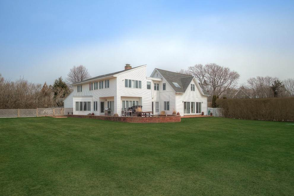 Single Family Home at Gin Lane Beach Classic Southampton, NY 11968