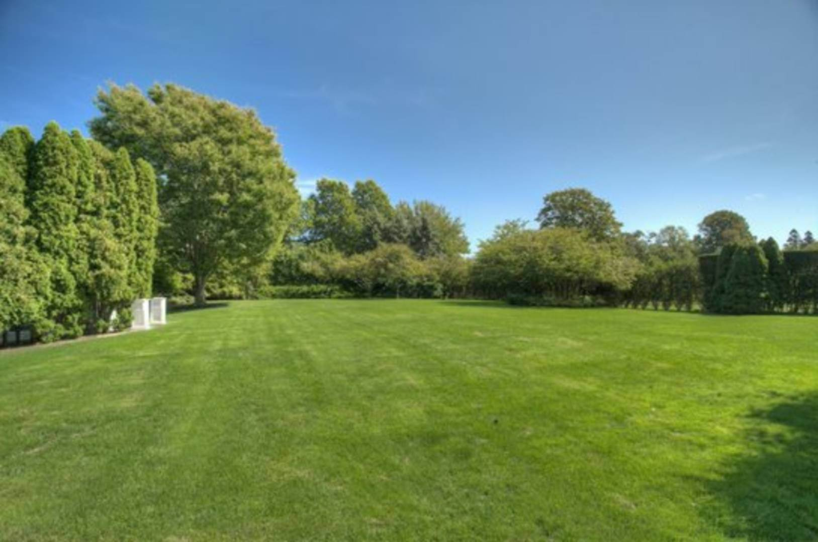 5. Single Family Home at Heart Of Estate Section With Pool &Tennis Southampton, NY 11968