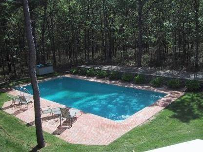 22. Single Family Home at Lovely Traditional With Pool And Tennis East Hampton, NY 11937