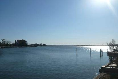 12. Single Family Home at Water Front, Dock, Stunning Views, Five Minutes To Sh. Village Southampton, NY 11968