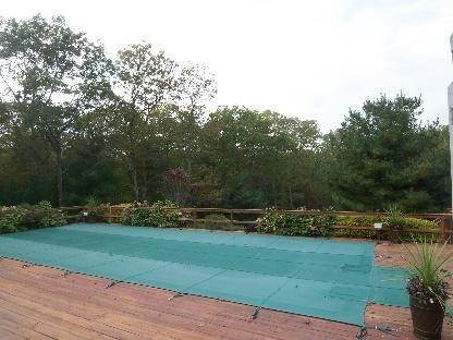 18. Single Family Home at Secluded East Hampton House With Tennis East Hampton, NY 11937