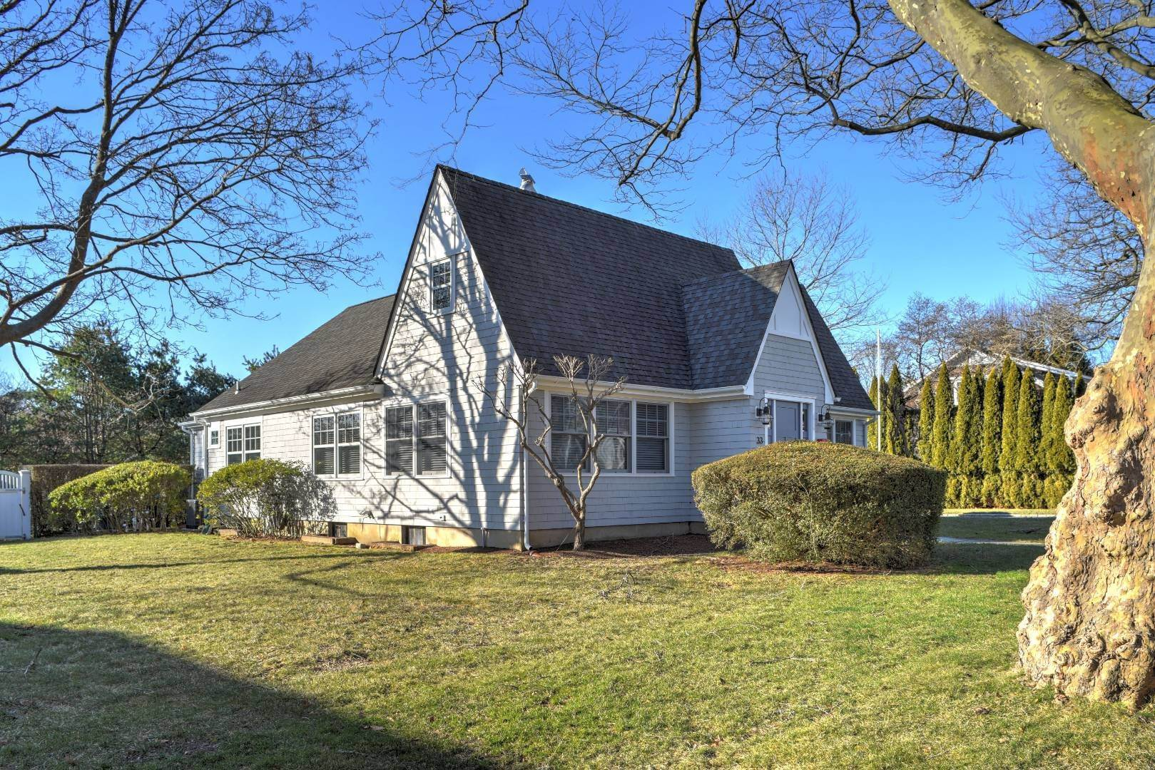 21. Single Family Home at Tree Lined Village Lane East Hampton, NY 11937