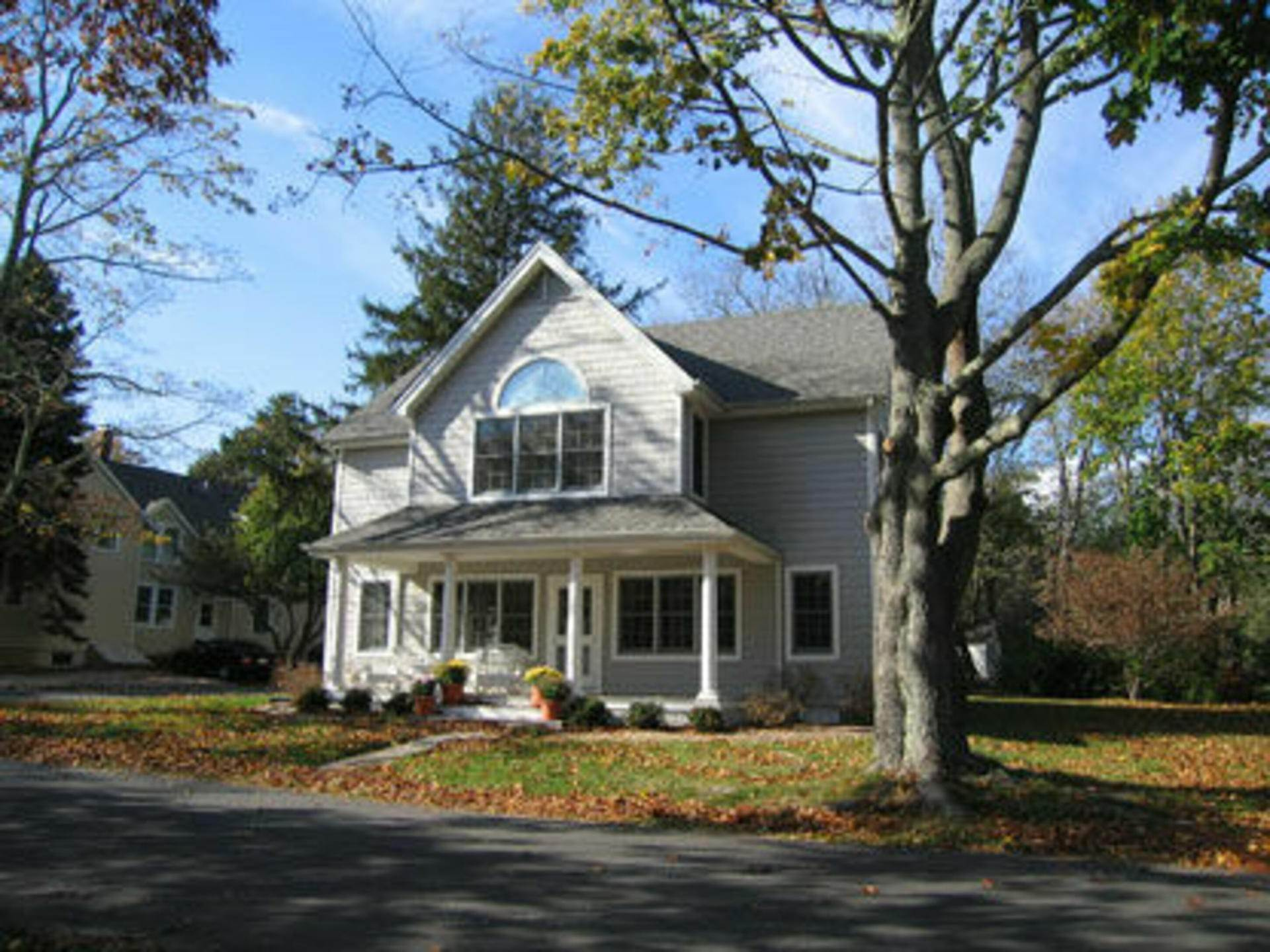 3. Single Family Home at Shelter Island Heights Waterview Shelter Island Heights, NY 11964