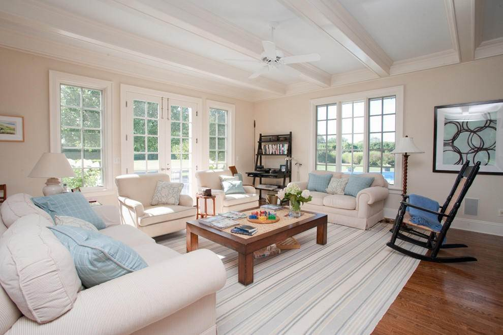 3. Single Family Home at Extreme South Bridgehampton. Hear The Ocean Bridgehampton, NY 11932