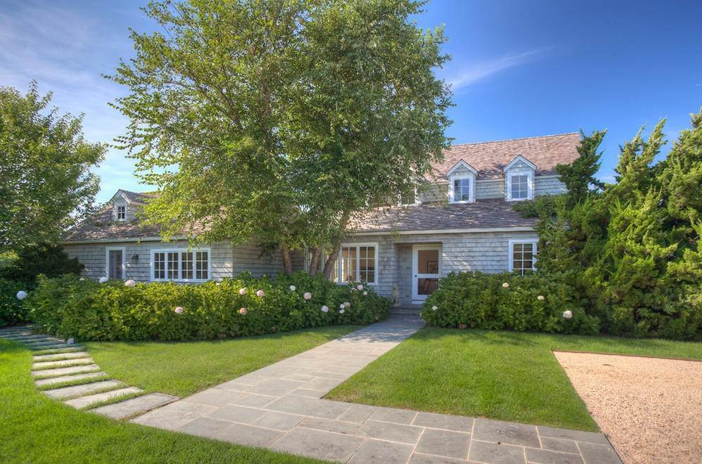 11. Single Family Home at Extreme South Bridgehampton. Hear The Ocean Bridgehampton, NY 11932