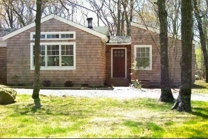 Single Family Home at Clearwater, Quiet Beach East Hampton, NY 11937