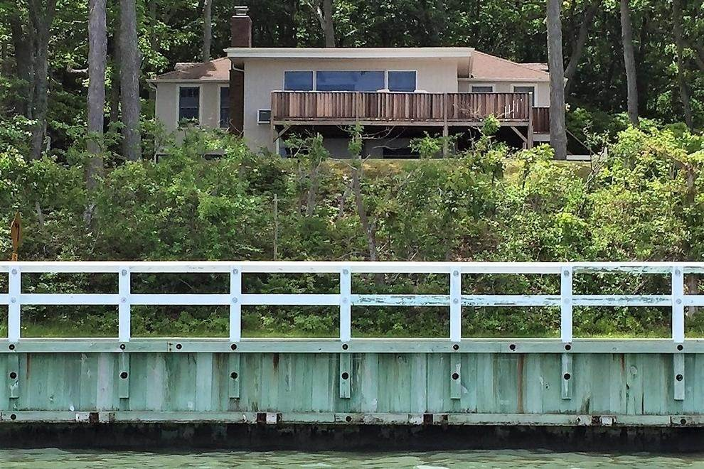 2. Single Family Home at 180 Degree View Of Beautiful Crescent Beach Shelter Island Heights, NY 11964