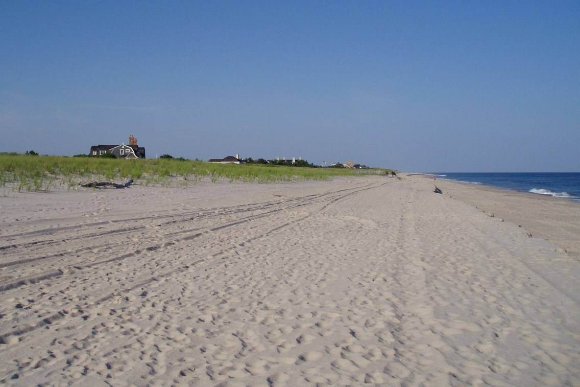 3. Single Family Home at Southampton Ocean Access Southampton, NY 11968