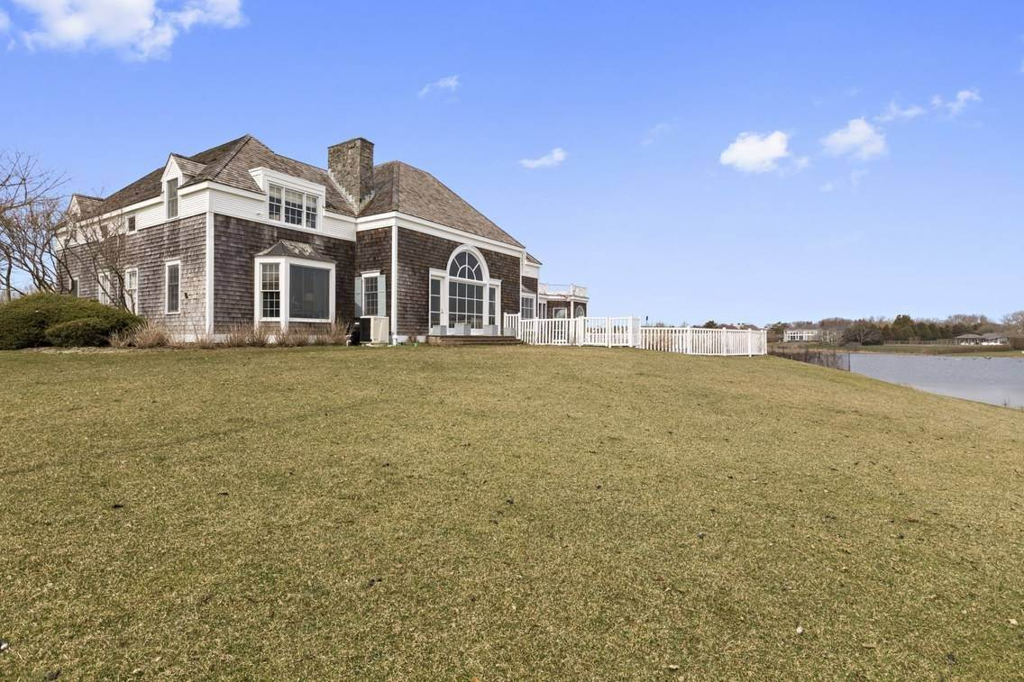 2. Single Family Home at Southampton Ocean Access Southampton, NY 11968