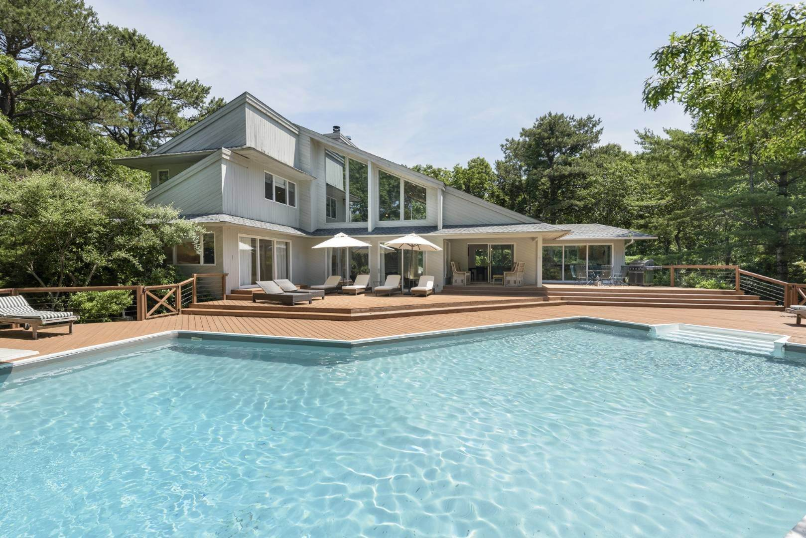Single Family Home at Contemporary Luxury, Newly Furnished With High End Furnishings Southampton, NY 11976