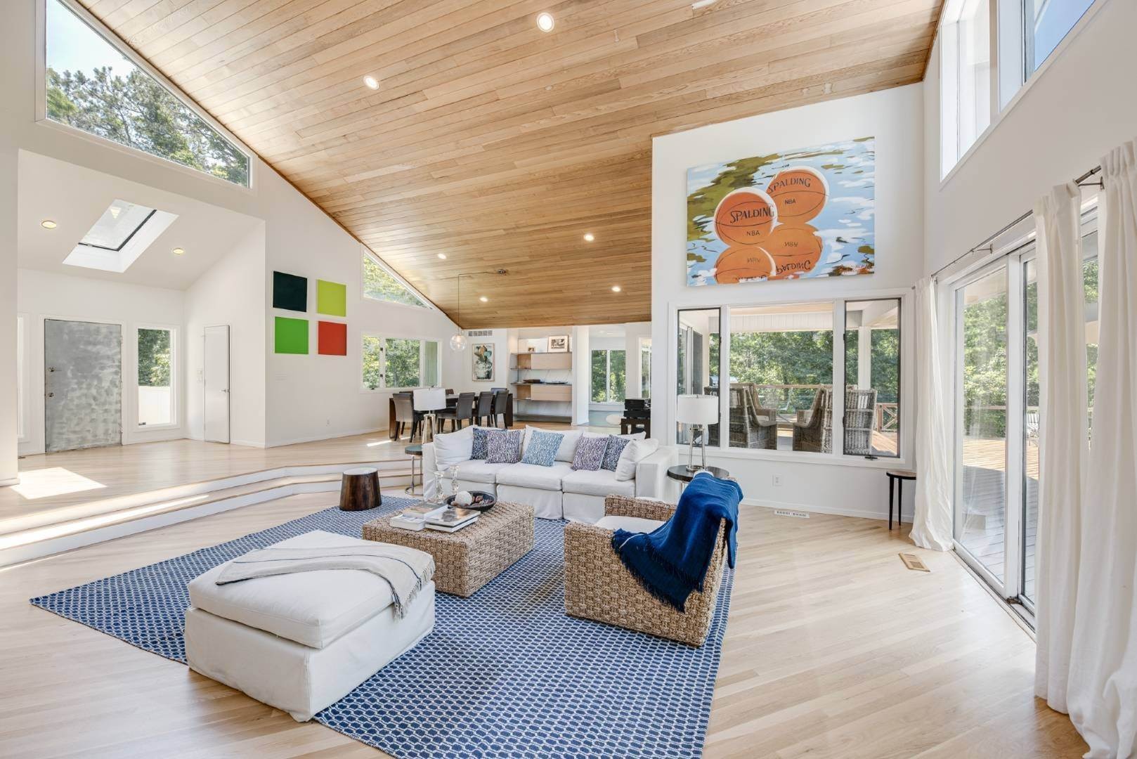 5. Single Family Home at Contemporary Luxury, Newly Furnished With High End Furnishings Southampton, NY 11976