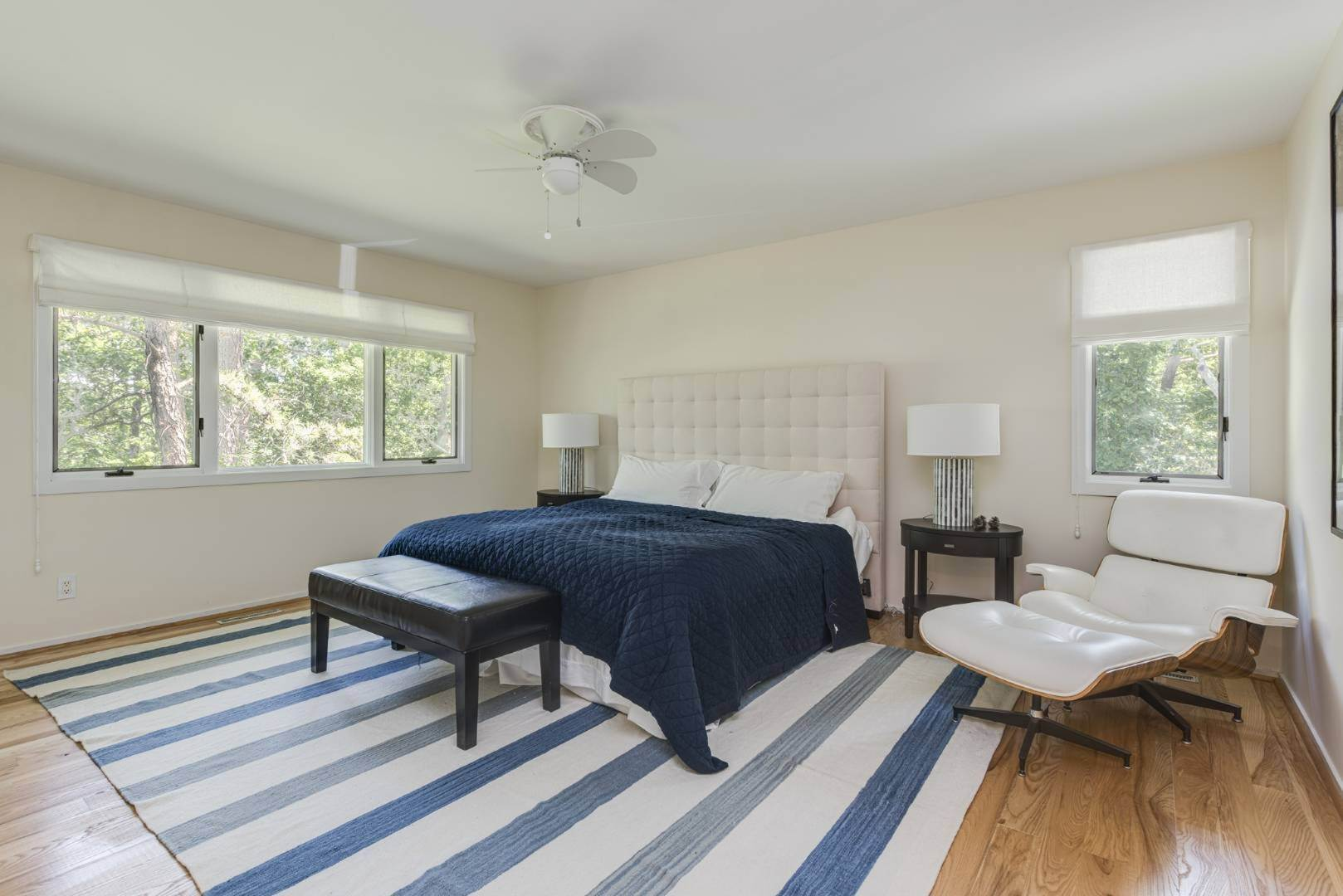 20. Single Family Home at Contemporary Luxury, Newly Furnished With High End Furnishings Southampton, NY 11976
