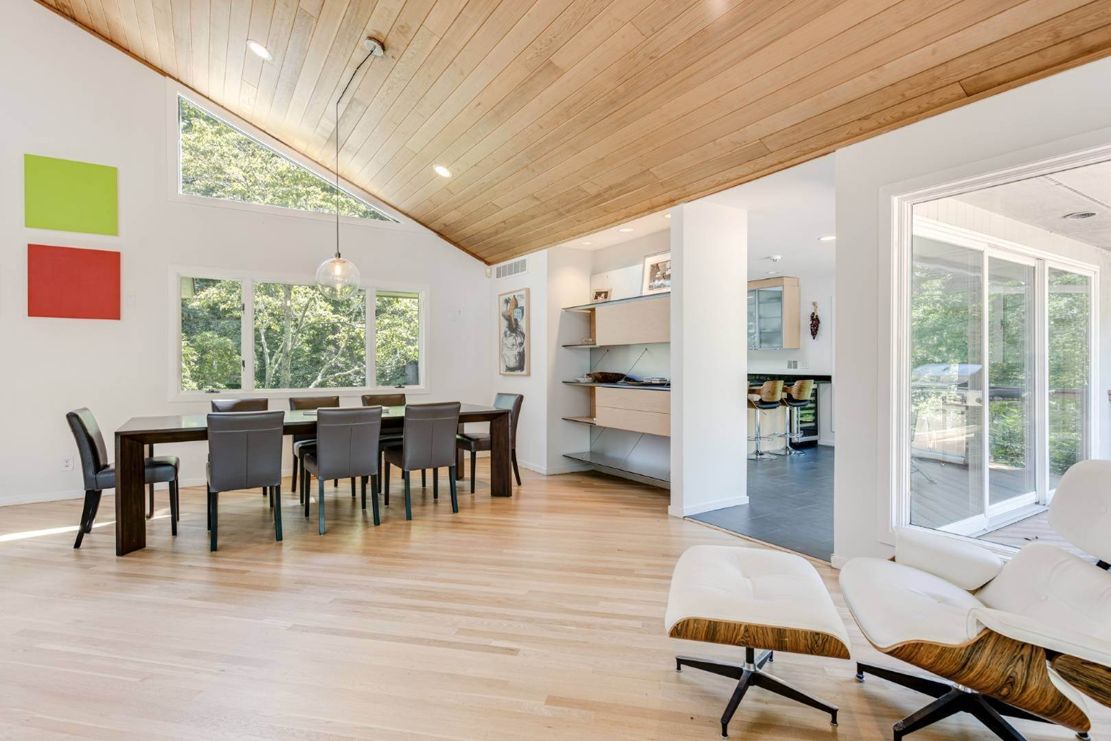21. Single Family Home at Contemporary Luxury, Newly Furnished With High End Furnishings Southampton, NY 11976