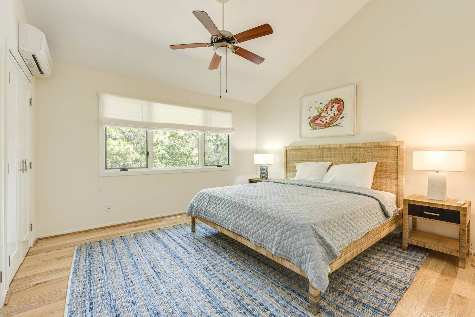 16. Single Family Home at Contemporary Luxury, Newly Furnished With High End Furnishings Southampton, NY 11976