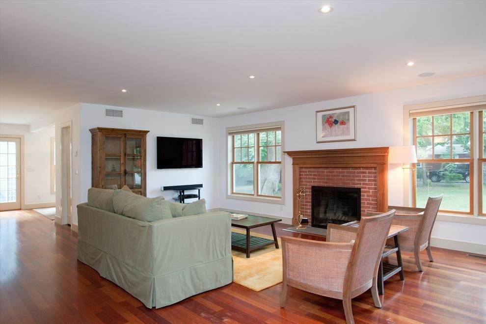 5. Single Family Home at Summer Rental In Sag Harbor Village Sag Harbor, NY 11963