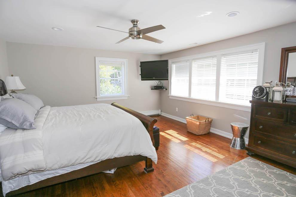 6. Single Family Home at Newly Renovated With Heated Pool And Outdoor Kitchen Southampton, NY 11968