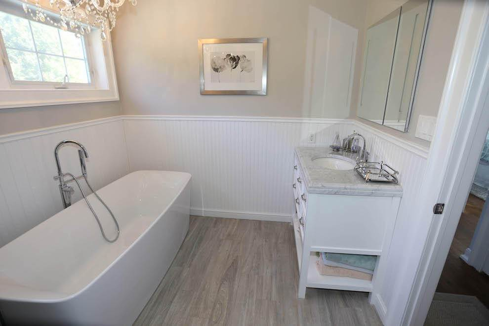 7. Single Family Home at Newly Renovated With Heated Pool And Outdoor Kitchen Southampton, NY 11968