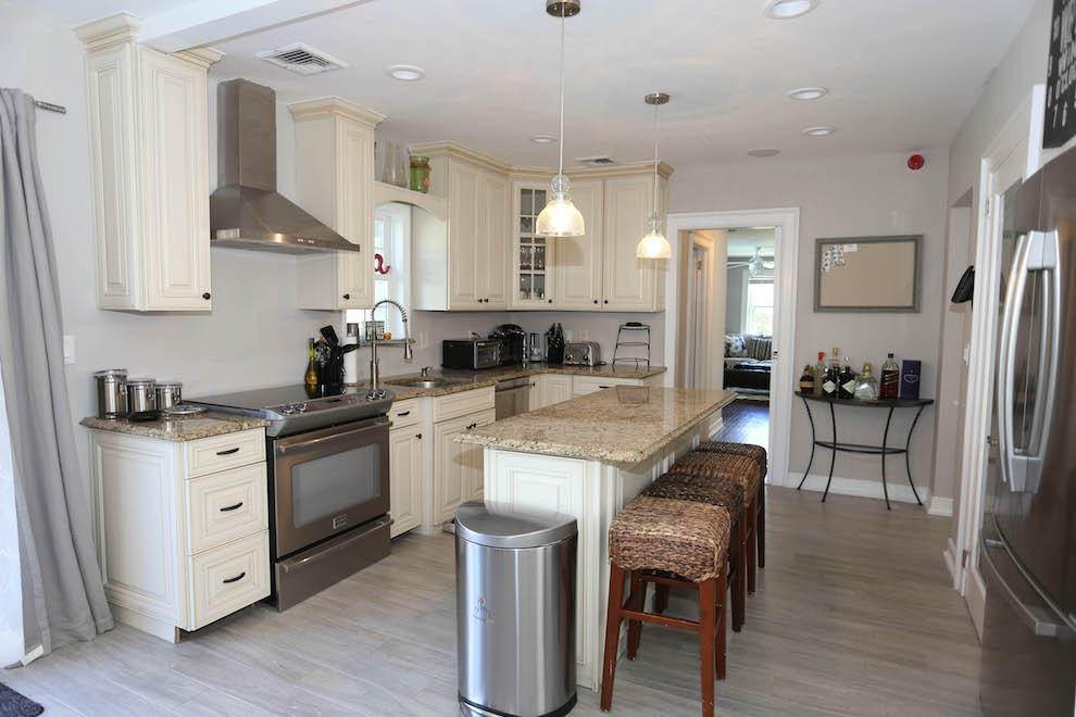 2. Single Family Home at Newly Renovated With Heated Pool And Outdoor Kitchen Southampton, NY 11968