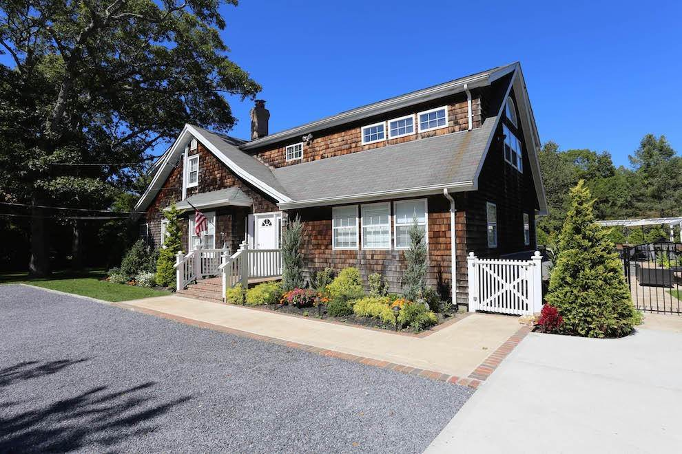 Single Family Home at Newly Renovated With Heated Pool And Outdoor Kitchen Southampton, NY 11968