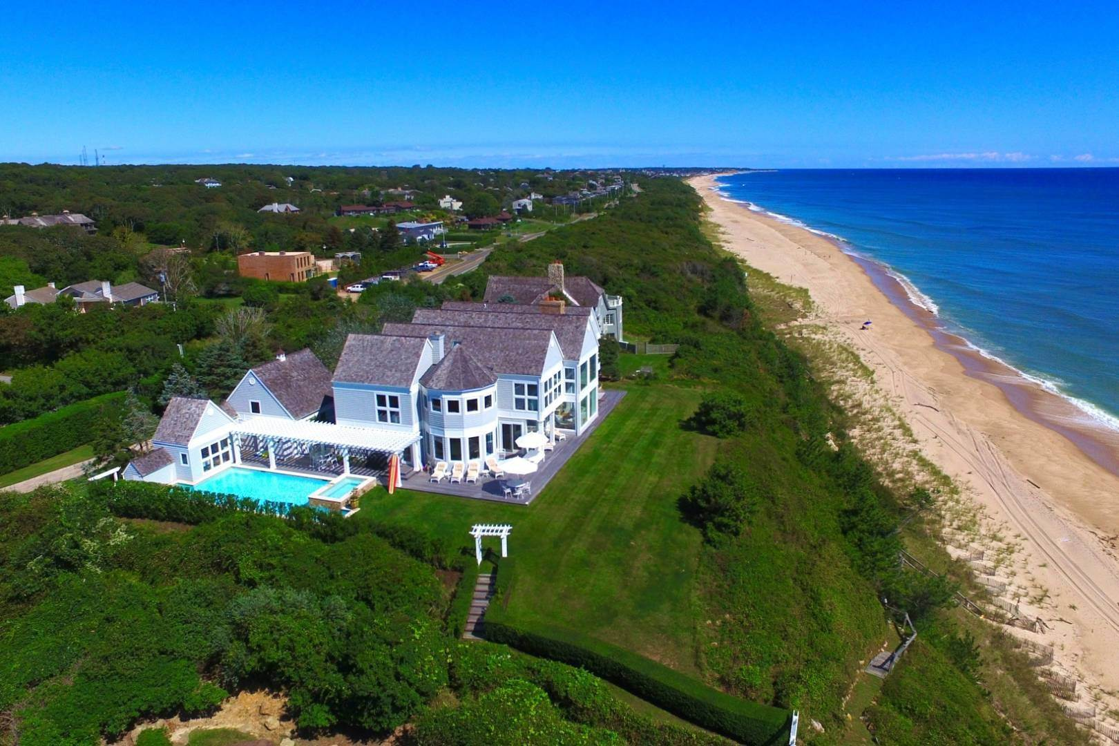 Single Family Home at Montauk's Premier Oceanfront Estate Montauk, NY 11954