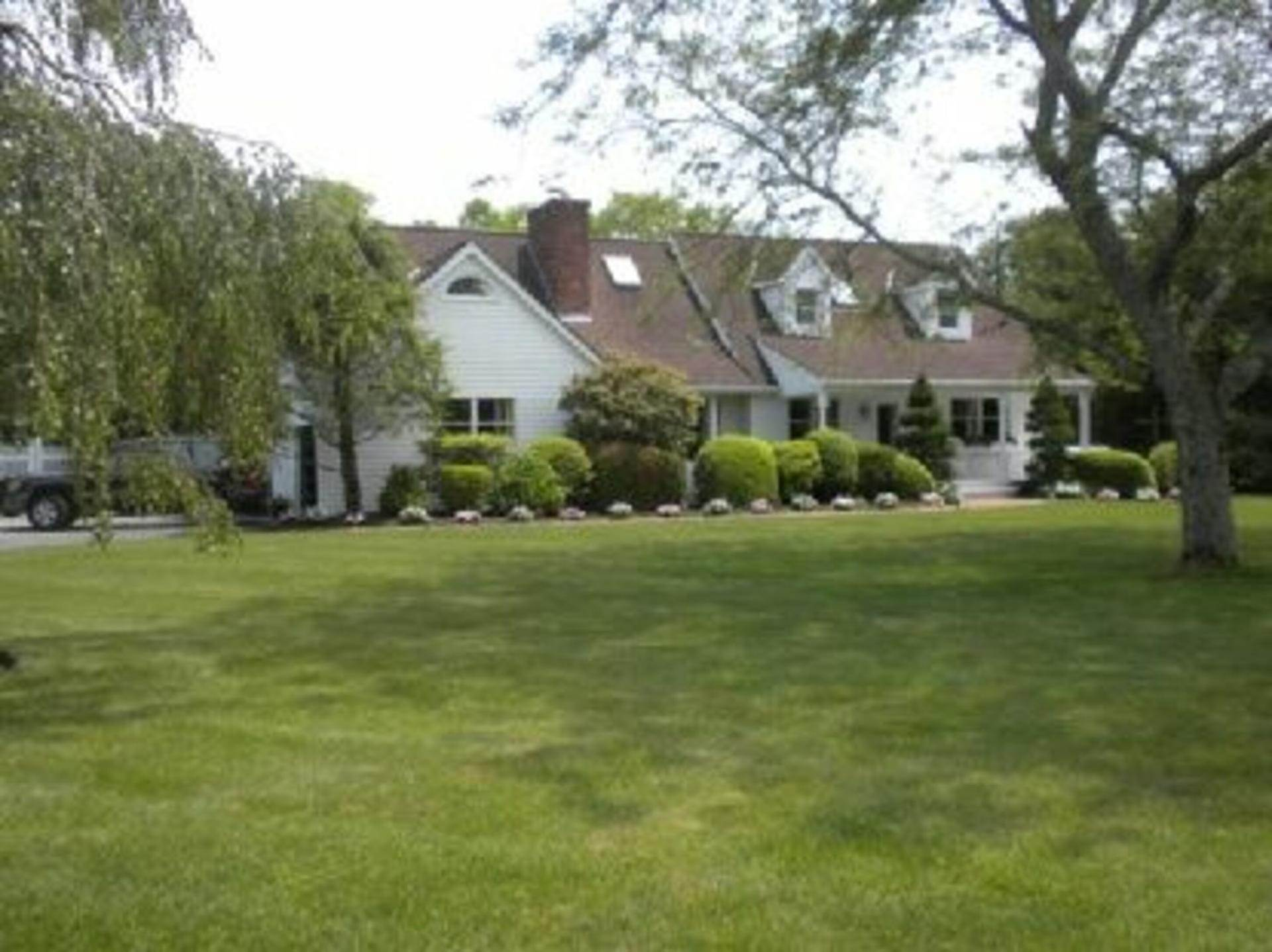 Single Family Home at Contemporary Cape In Remsenburg! Remsenburg, NY 11960