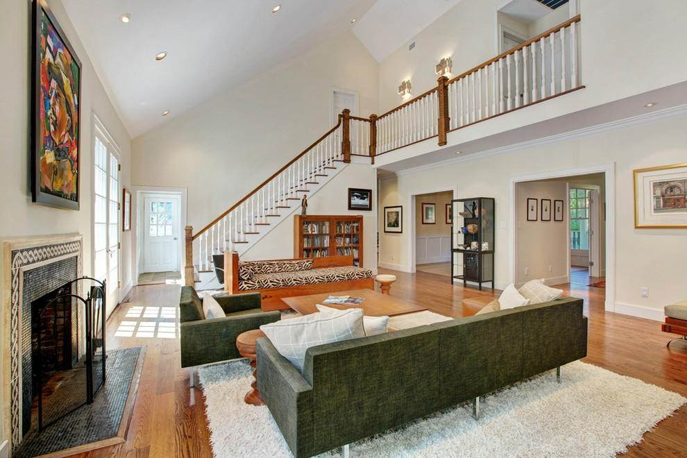 2. Single Family Home at Exceptional In Bridgehampton Bridgehampton, NY 11932