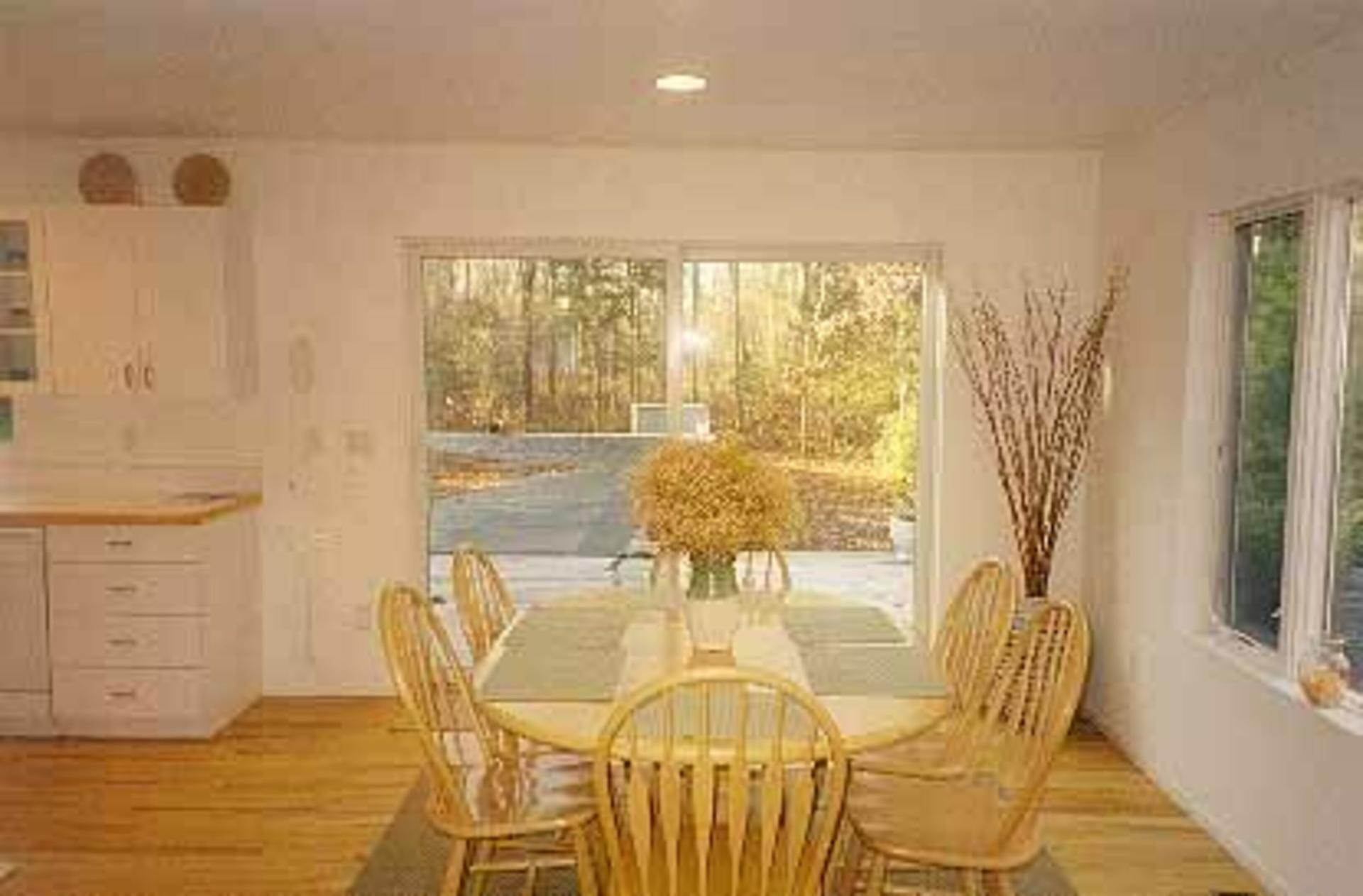 3. Single Family Home at Crisp And Bright East Hampton Home For Rent East Hampton, NY 11937